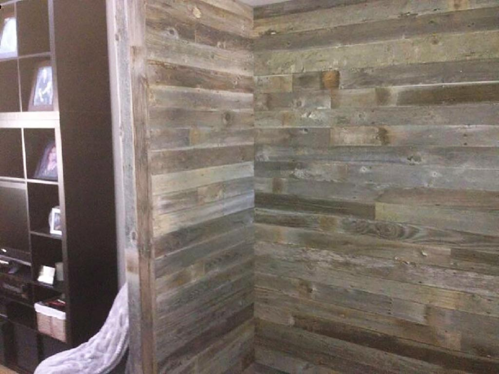 Reclaimed barnwood feature wall